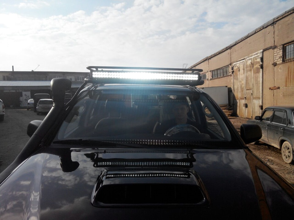 лэд балка люстра 240 вт LOYO на крышу багажник Toyota Hilux