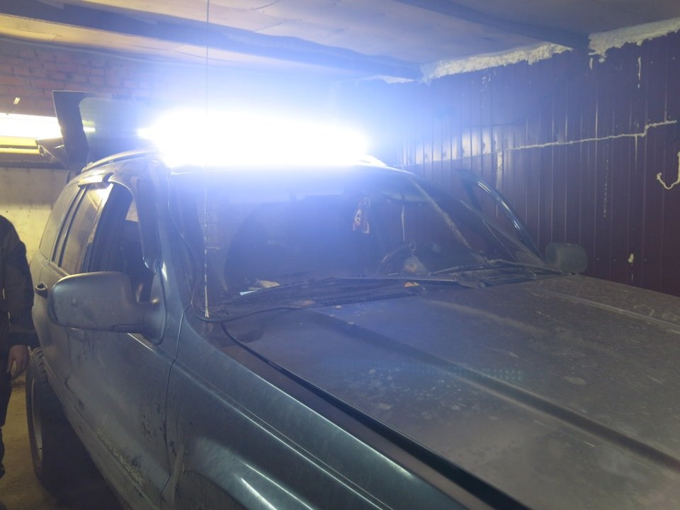 LED балка, светодиодная лэд люстра на рейлинги крыши Джип Гранд Чероки